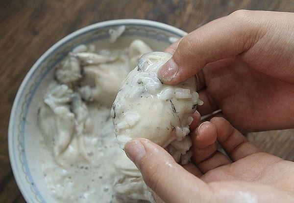 Cách làm sạch ruột hàu